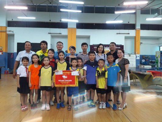 Đội Bóng bàn trường tiểu học Núi Thành